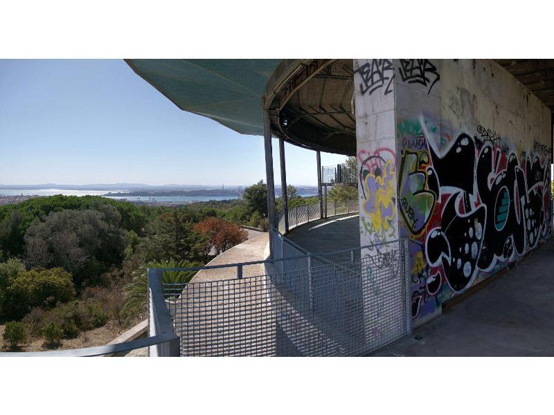 lisbon-architecture-grafitti